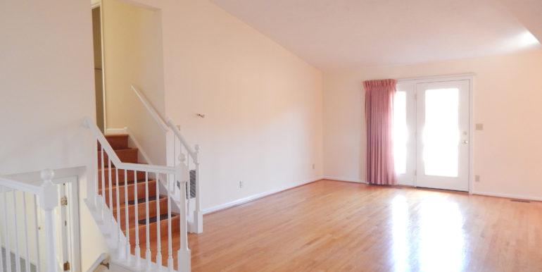 5977 Free Union Living Room